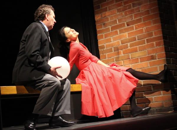 """Jednym z tytułów Tygodnia z Hanochem Levinem (czyli pokazu trzech sztuk Levina w czterech realizacjach) będą """"Sprzedawcy Gumek"""" z Teatru im. Mickiewicza w Częstochowie (pokaz 16 kwietnia)."""