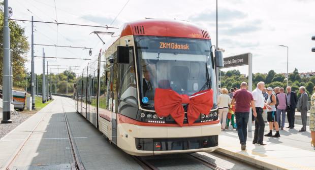 Tramwaj na Piecki-Migowo (Morenę) to najnowsza inwestycja tramwajowa w powojennych dziejach Gdańska i jednocześnie jedna z tych, które planowano jeszcze na przełomie lat 70. i 80. Do jej obsługi zakupiono pięć tramwajów Pesa Jazz Duo.