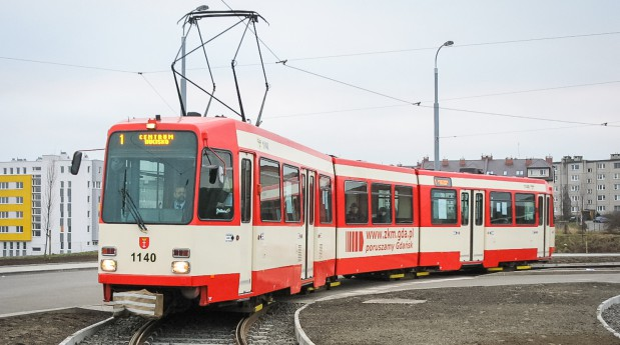 Tramwaje z Dortmundu przed przebudową. Nz. N8C na pętli Chełm Witosa pod koniec grudnia 2007 r.
