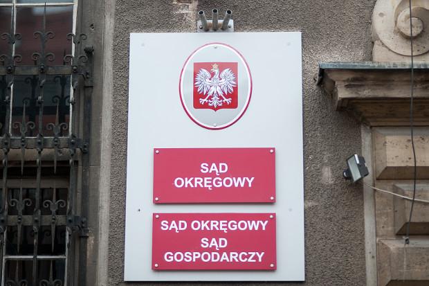W środę w Sądzie Okręgowym w Gdańsku zapadł wyrok skazujący w sprawie oszustów mieszkaniowych: według sądu Paulina W. i Bartłomiej G. wykorzystywali trudną sytuację życiową samotnych kobiet i pozbawiali je mieszkań.