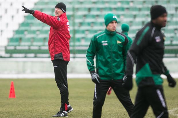Od stycznia za przygotowanie fizyczne piłkarzy Lechii odpowiada Michał Adamczewski, który wcześniej w ekstraklasie pracował krótko w Koronie Kielce, a jako zawodnik grał w rugby.