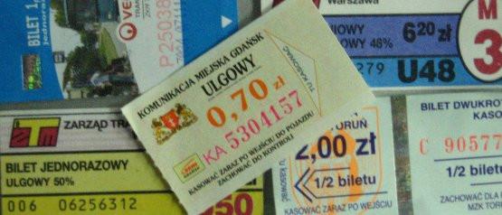 Od 14 stycznia znikną  w Gdańsku bilety za 70 gr. Od tego dnia najtańszy bilet będzie kosztował 2 zł (ulgowy 1 zł), ale bedzie można z nim podróżować przez 15 minut.