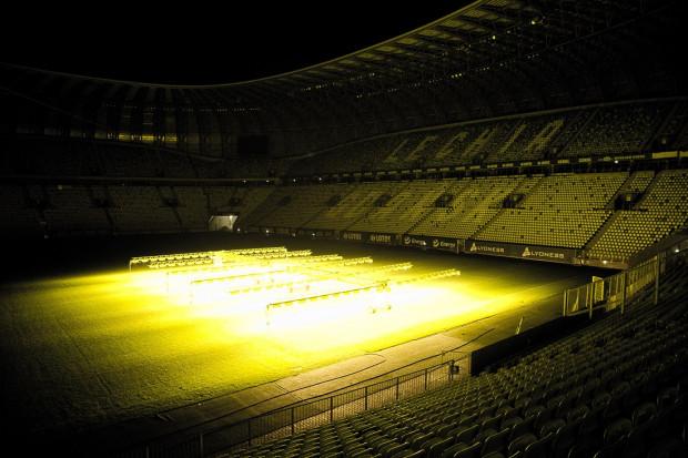 Dzięki takim zabiegom jakość murawy na Stadionie Energa Gdańsk ma się poprawić.