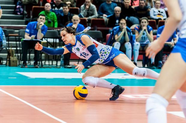 Osamotniona w ataku Katarzyna Zaroślińska (na zdjęciu) oraz zrywy, gdy z zagrywki punktowała Maret Balkestein-Grothues to były zbyt słabe atuty, by w drugim meczu finału sopockie siatkarki wygrały chociaż seta.