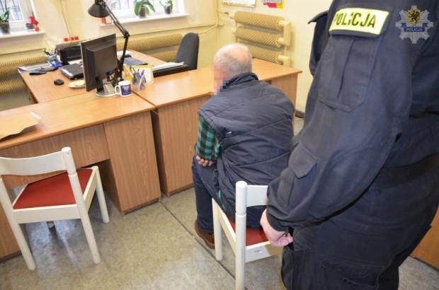 Stanisław Ch. od początku przyznawał się do zabójstwa. Bez żadnych wyrzutów sumienia opowiadał policjantom, że zabił, bo nie potrafił żyć poza więzieniem.