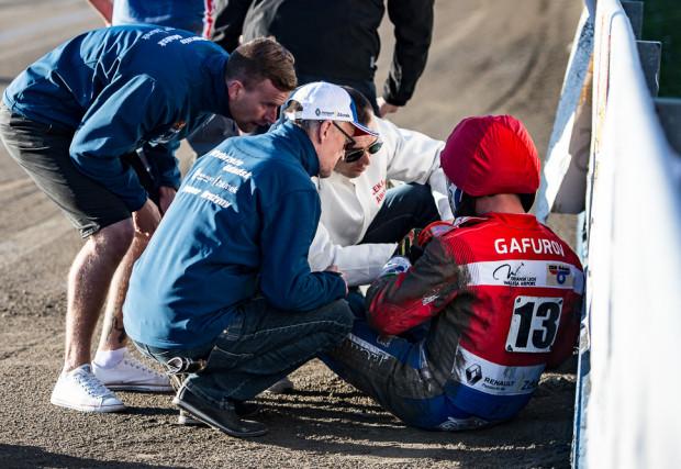 Renat Gafurow występ w Łodzi zakończył na pierwszym wyścigu. Rosjanin zaliczył drugi groźny upadek w ciągu trzech dni. Po meczu z Orłem udał się na prześwietlenie do szpitala.