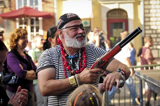 Samozwańczy pirat Sławomir Ziembiński, zwany Czerwonym Korsarzem, psuł wizerunek Gdańska.