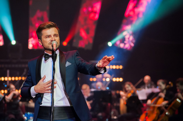 Łukasz Zagrobelny pojawiał się dotąd w Trójmieście w roli wokalisty. Tym razem będzie go można zobaczyć na deskach Teatru Muzycznego w Gdyni jako Clopina.
