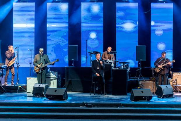 Wysoki poziom artystyczny, perfekcyjna realizacja oraz znakomite nagłośnienie to - obok osobowości i talentu Iglesiasa - niewątpliwe atuty niedzielnego koncertu.