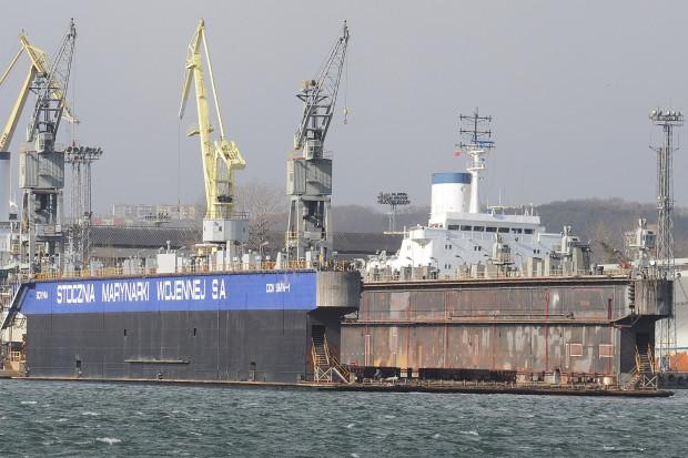 Polska Grupa Zbrojeniowa wyraziła zamiar nabycia od Agencji Rozwoju Przemysłu pakietu akcji Stoczni Marynarki Wojennej od syndyka, stanowiącego ponad 99 proc. jej kapitału zakładowego.