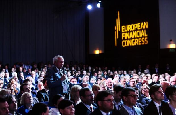 Corocznie w Europejskim Kongresie Finansowym uczestniczy ponad 1000 przedstawicieli europejskich i krajowych instytucji administracyjnych, przedstawicieli świata biznesu, polityki i nauki, regulatorów i nadzorców oraz mediów.