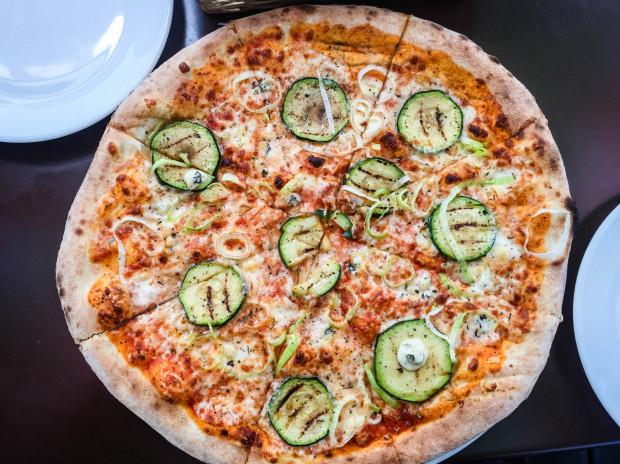 W La Bocca atmosfera jest nieco staromodna, ale pizzy nie można nic zarzucić.