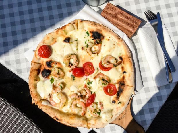 W Viva La Pizza znajdziemy sporo wersji pizza bianca, czyli bez sosu pomidorowego.