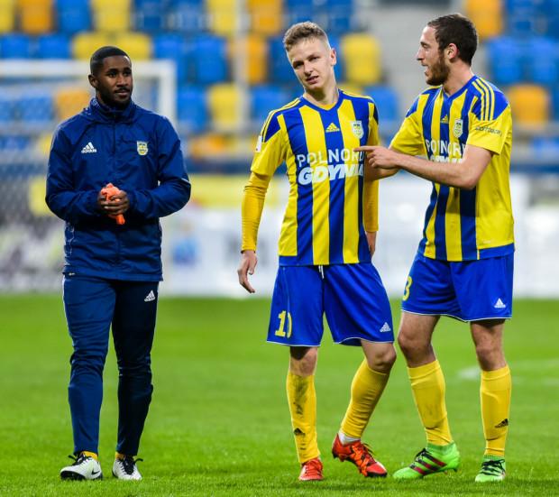 To piłkarze, których ocenialiście najwyżej za występy w Arce w sezonie 2015/16 (od prawej): Alan Fialho, Mateusz Szwoch i Yannick Kakoko Sambea.