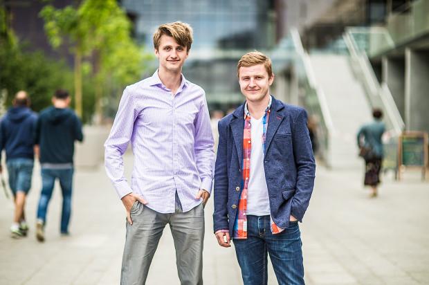 - Bycie surprisemakerem to nie tyle zawód, a styl życia - twierdzą Adam Spittal i Artur Niwczyk z firmy Surprise Makers.