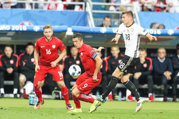 W Paryżu nie padły gole. Na zdjęciu od lewej: Jakub Błaszczykowski, Robert Lewandowski i Toni Kroos.