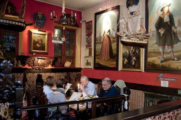 Wystrój Restauracji Gdańskiej to hołd złożony XVII-wiecznej gdańskiej tradycji.