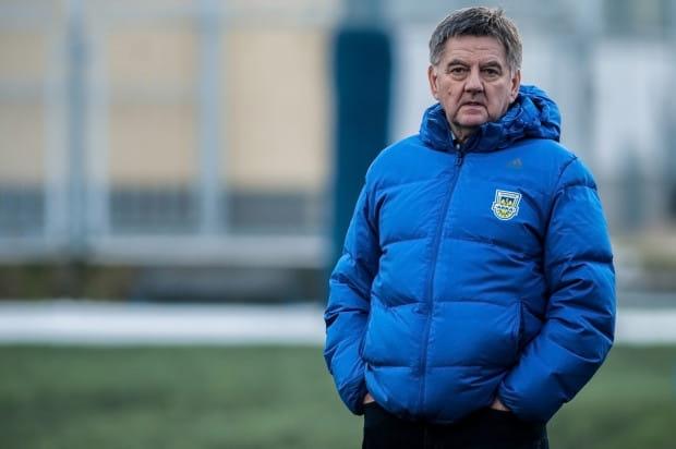 Edward Klejndinst zapowiada transfery do Arki Gdynia jeszcze dwóch piłkarzy.