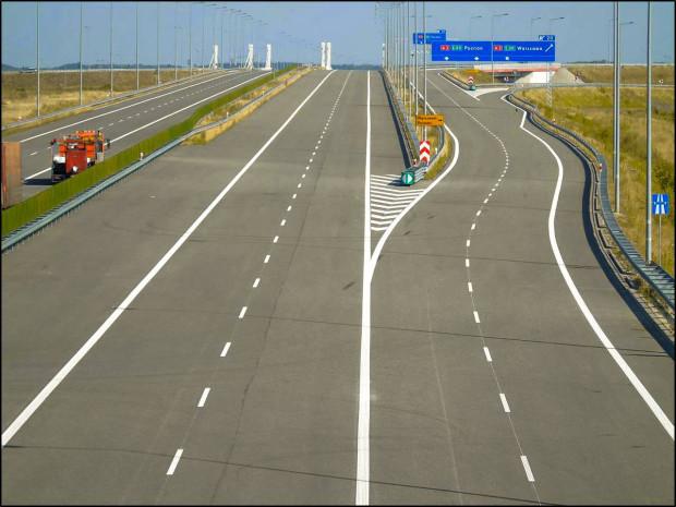 Fragment nowej autostrady A1 pod Łodzią.