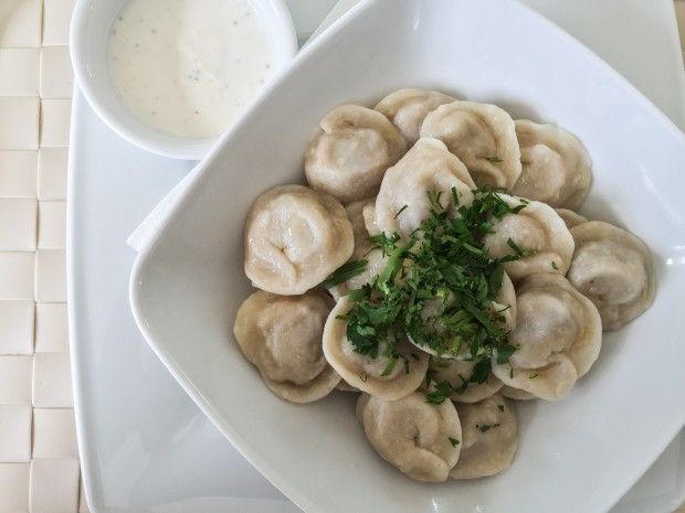 Bardzo dobre pielmieni z wołowiną zjemy między innymi w Sopockim Młynie.