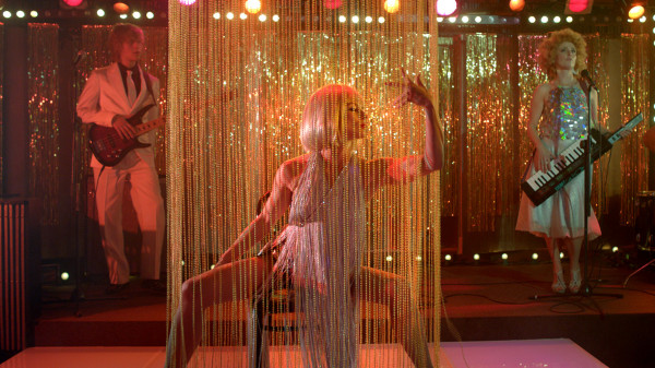 """""""Córki dancingu"""" Agnieszki Smoczyńskiej w ubiegłym roku rywalizowały o Złotego Lwa podczas Festiwalu Filmowego w Gdyni. Teraz powalczą o nagrodę główną Sopot Film Festivalu wraz z siedmioma innymi produkcjami."""