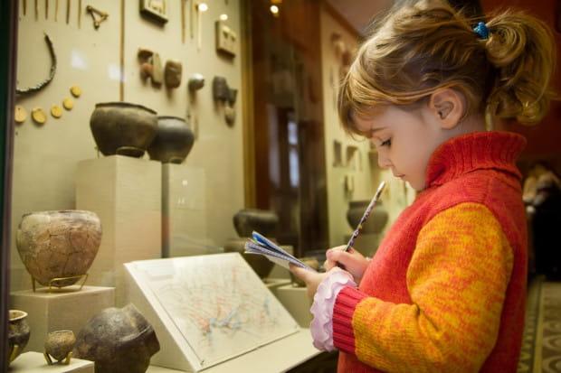 Latem muzea i instytucje kultury czy nauki przygotowały dla rodzin bardzo ciekawą ofertę.