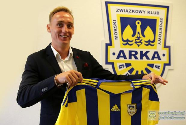 Adam Marciniak został nowym piłkarze gdyńskiego klubu.