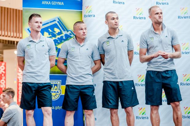 Arka zdecydowała, że podobnie jak przed rokiem, oficjalna prezentacja drużyny mieć będzie miejsce w Centrum Riviera. Podczas ubiegłorocznego spotkania od lewej: Miroslav Bożok, Michał Nalepa, Marcus i Antoni Łukasiewicz.