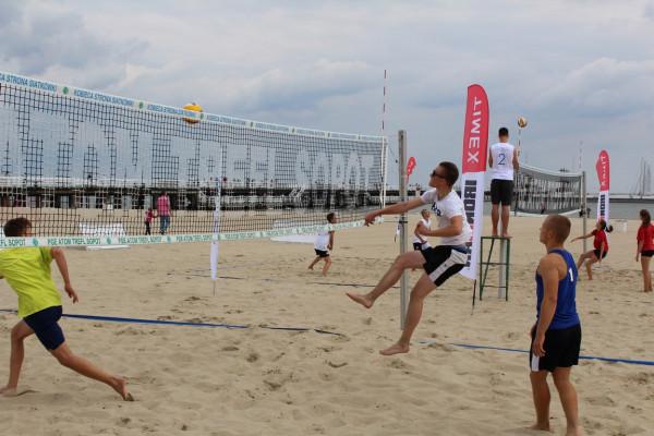 Na sopockiej plaży jak zwykle nie brakowało efektownych akcji oraz mocnych ataków.