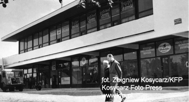 Pawilon powstał w latach 60. jako dopełnienie nowej zabudowy Stogów.