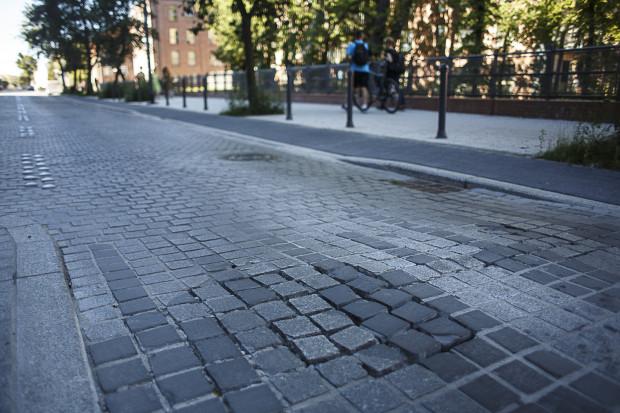 O problemie z rozpadającą się ulicą Kilińskiego, zarówno inwestor, jak i wykonawca, dowiedzieli się od nas.