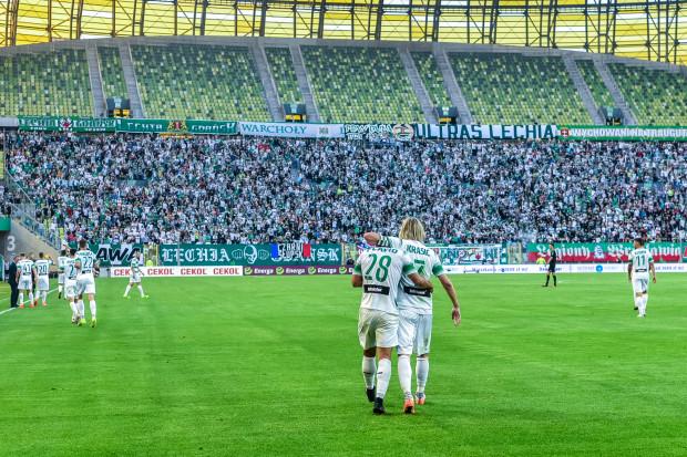 Pierwszy w Polsce mecz ligowy na hybrydowej murawie zakończył się zwycięstwem Lechii. Gdańskim piłkarzom grało się na niej dobrze, ale naprawdę komfortowe warunki mają mieć na kolejnym meczu, gdy nawierzchnia lepiej się ukorzeni.