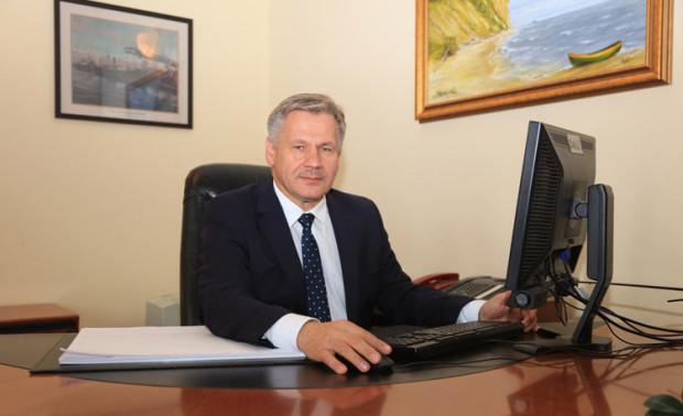 Adam Meller do 2008 roku był prezesem Towarzystwa Finansowego SKOK (obecnie Aplitt SA), a następnie wiceprezesem Towarzystwa Zarządzającego SKOK.