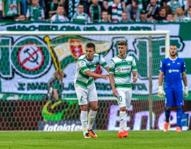 Lechia po raz pierwszy w tym sezonie nie straciła gola, gdyż we Wrocławiu ze swoich obowiązków nie tylko wywiązali się bramkarz Vanja Milinković-Savić, czy obrońcy jak Rafał Janicki (nr 2), ale również wielka w tym zasługa Michała Chrapka (nr 20), który wyłączył z gry lidera Śląska.