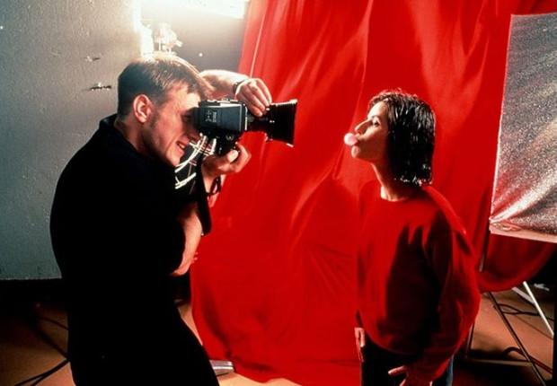 """Na koniec dwudniowego przeglądu twórczości Krzysztofa Kieślowskiego widzowie zobaczą jeden z najbardziej cenionych i nagradzanych filmów reżysera, """"Trzy kolory: Czerwony"""" z niezapomnianą rolą Irene Jacob."""