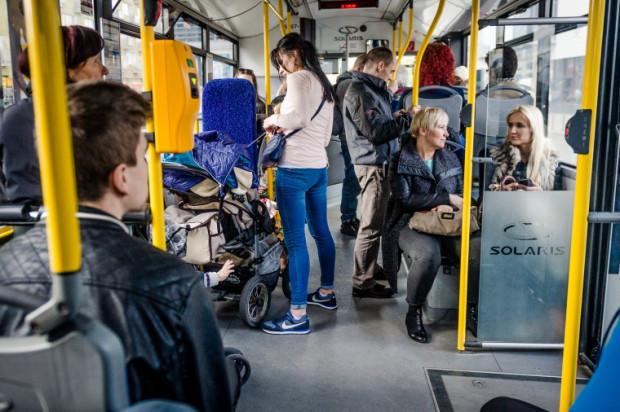 Utrzymanie należytego porządku w pojazdach komunikacji miejskiej wymaga codziennego czyszczenia.