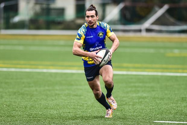 Grą w reprezentacji Polski rugby 7 Szymon Sirocki zapracował na swoją markę. Zawodnik otrzymał kilka ofert, ale postanowił zostać w Gdyni.