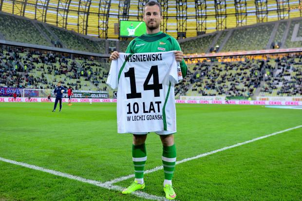 Piotr Wiśniewski za kadencji Piotra Nowaka w oficjalnym meczu Lechii Gdańsk nie zagrał jeszcze minuty. Czy to się zmieni w Gliwicach?