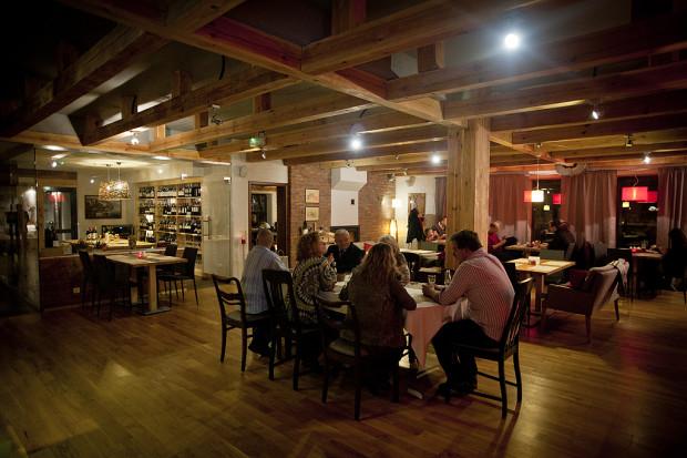 Restauracja Mariaszek serwuje tradycyjną kuchnię polską podkręconą nowoczesnymi inspiracjami.