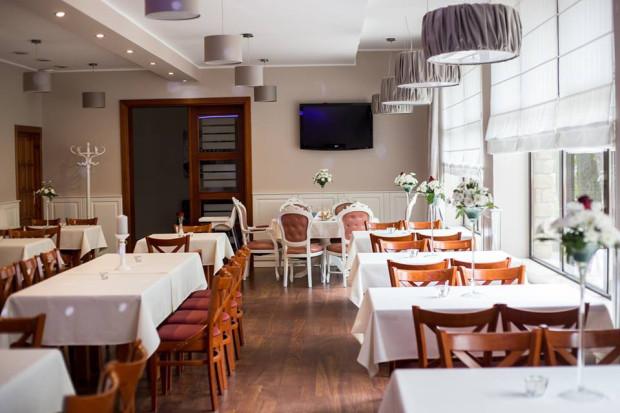 Żabusia to restauracja, która polskie, domowe jedzenie serwuje od czterdziestu lat.