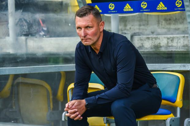 Trener Grzegorz Niciński ponownie sprawdził w grze 22 piłkarzy. Dwóch z nich: Michał Borecki i Andrij Waceba czekają na jego decyzje w sprawie przydatności dla Arki.
