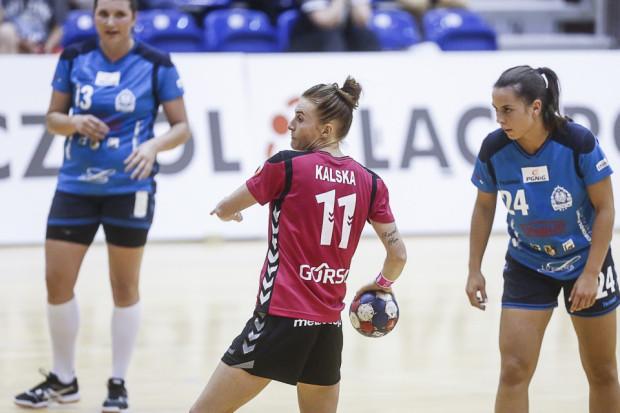 Karolina Kalska była jednym z najjaśniejszych punktów AZS Łączpolu AWFiS Gdańsk w starciu z UKS PCM Kościerzyna. Jej skutecznie wykonany rzut karny w końcówce meczu przesądził o zwycięstwie gospodyń.