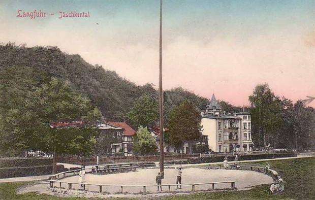 Plac Festynowy ze słupem wspinaczkowym w okresie wolnego Miasta Gdańska.