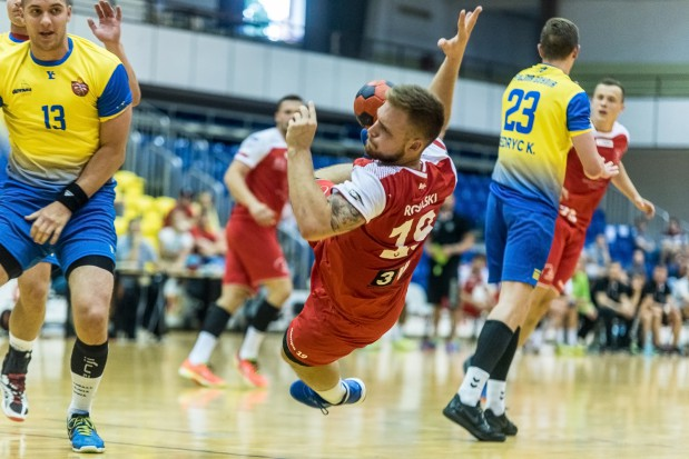 To będzie drugie podejście Łukasza Rogulskiego do PGNiG Superligi. W sezonie 2014/2015 kołowy zdobył dla Wybrzeża 141 bramek.