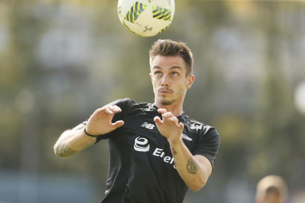 Denis Perger (na zdjęciu) chce swoją postawą na treningach przekonać szkoleniowca biało-zielonych Piotra Nowaka, że warto zatrudnić go w gdańskim klubie.