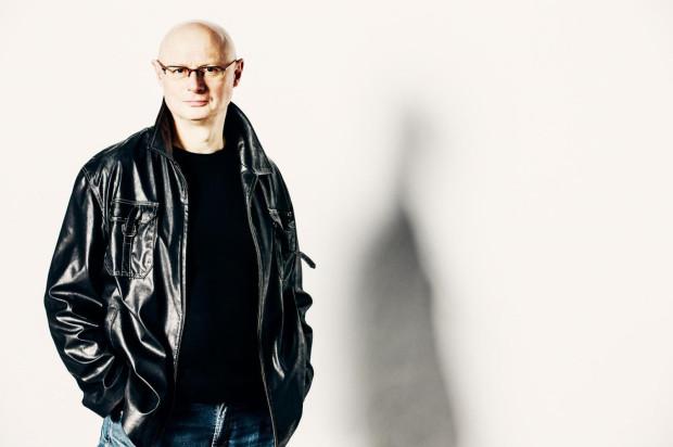 Adam Orzechowski rozpoczyna właśnie trzecią kadencję w Teatrze Wybrzeże i jest obecnie najdłużej pełniącym obowiązki dyrektora szefem teatru w Trójmieście.