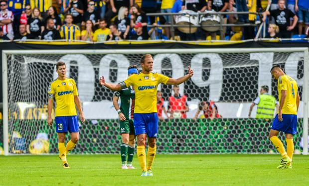Antoni Łukasiewicz (w środku) twierdzi, że w Arce Gdynia każdy piłkarz może wnieść do gry pozytywny impuls. Który z nich tym razem poprowadzi do zwycięstwa w Kielcach?