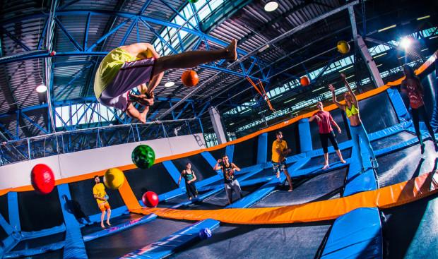 Jumpcity to miejsce dla miłośników trampolin i akrobacji.