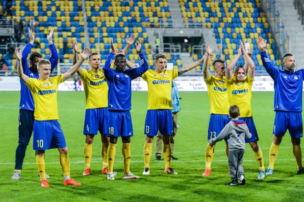 Piast Gliwice jest trzecim z rzędu uczestnikiem tegorocznych rozgrywek europejskich pucharów, który stawi się w Gdyni. Oby piłkarze Arki i po tym meczu byli w tak dobrych humorach jak po spotkaniach z Cracovią 1:0 (na zdjęciu) i Zagłębiem Lubin 1:1.