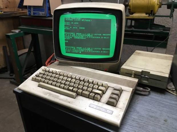 Komputer Commodore 64, który powstał pod koniec lat 80., od 26 lat nieprzerwanie steruje urządzeniem do wyważania wałów napędowych w warsztacie samochodowym we Wrzeszczu.